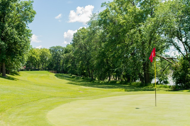 About-Glendale Golf Country Club Winnipeg